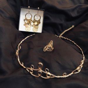 GOLD ORNATE COSTUME JEWELRY BUNDLE TIARA EARRINGS+